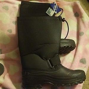 Mens tundra boots size 11  insulates